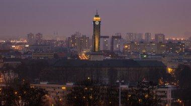 Radniční věž v podvečer